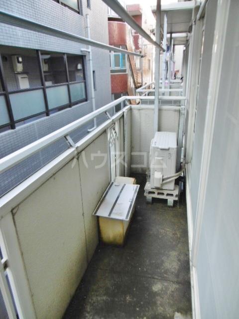 カーサ湯川 201号室のバルコニー