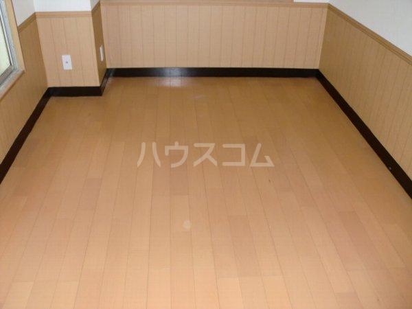 内田マンション 304号室の居室