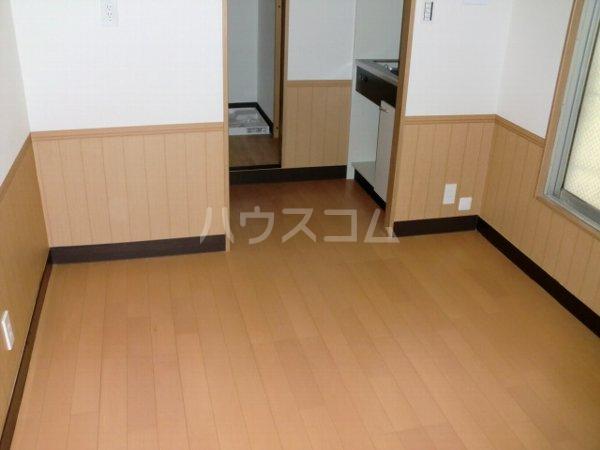 内田マンション 304号室のリビング