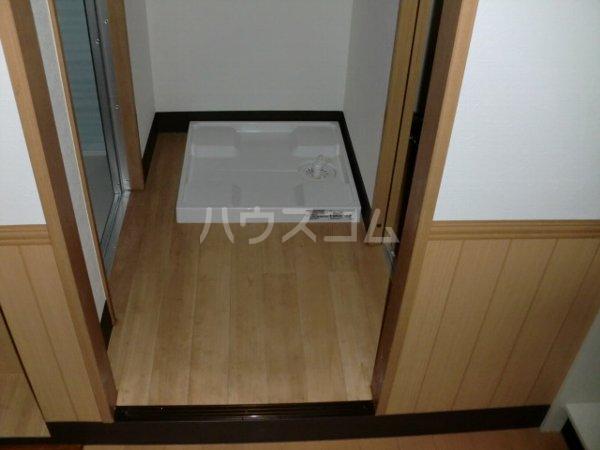 内田マンション 304号室の玄関