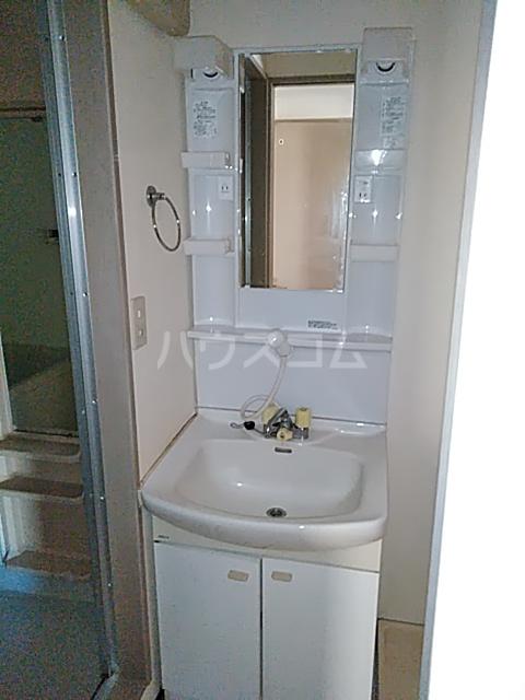メゾンリヴィエール 302号室の洗面所