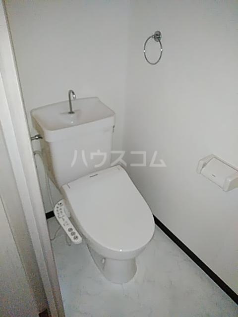メゾンリヴィエール 302号室のトイレ
