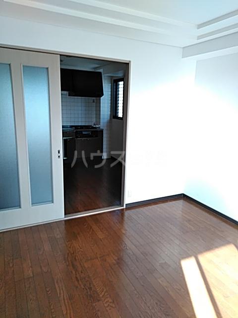メゾンリヴィエール 302号室の居室