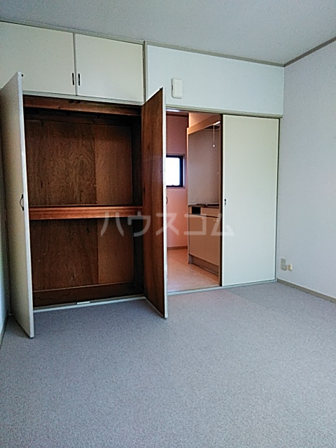 コーポイング 202号室の居室