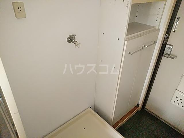 シャトレアマノ 207号室の玄関