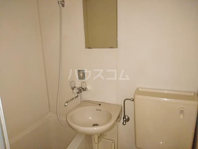 シャトレアマノ 207号室の洗面所