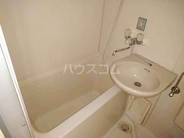 シャトレアマノ 207号室の風呂