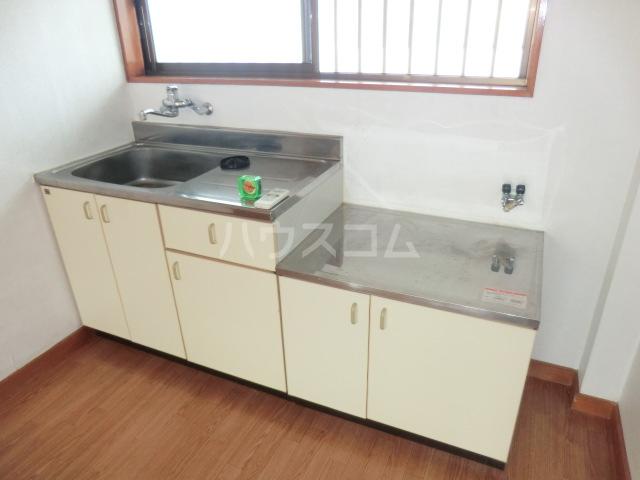 メゾン青山 105号室のキッチン