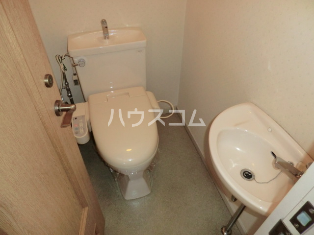 KKマンション 301号室のトイレ