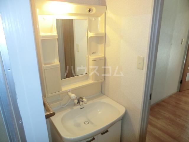 KKマンション 301号室の洗面所