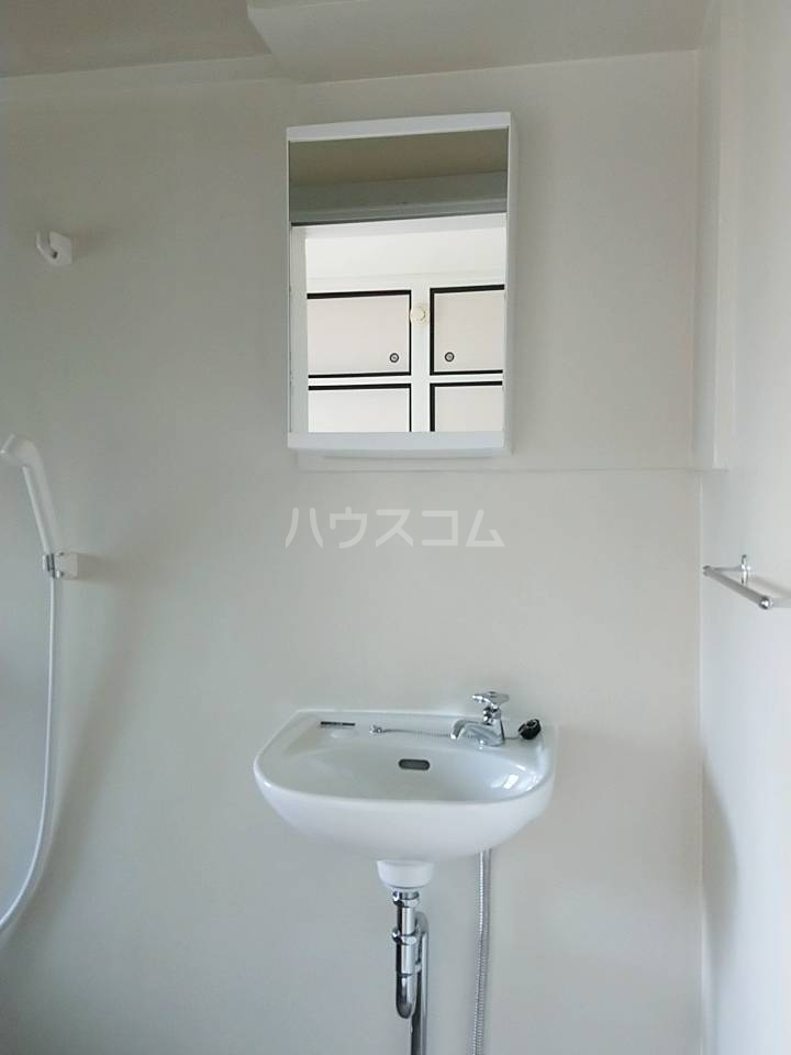 ビレッジハウス秋葉3号棟 101号室の洗面所