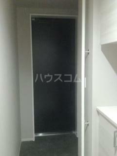 パークサイド・マザーリーフ 302号室の玄関