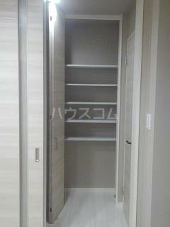 パークサイド・マザーリーフ 302号室のエントランス