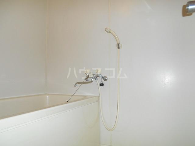メゾン・ドゥ・ラ・ロゼ 203号室の風呂