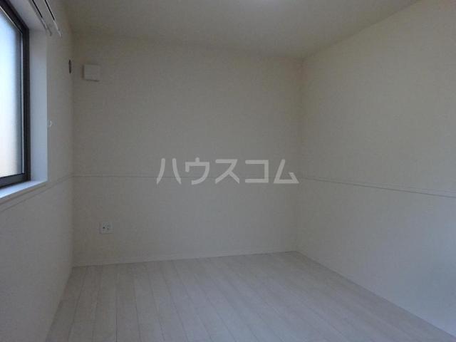 エスポワレーブ 201号室の居室