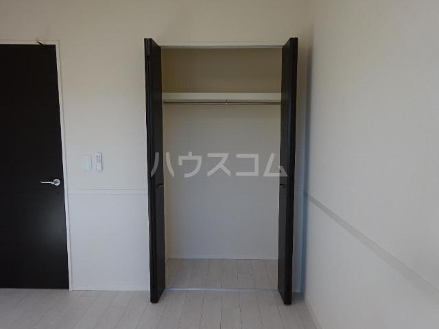 エスポワレーブ 201号室の収納