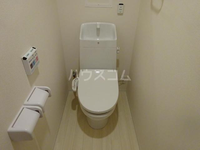 エスポワレーブ 201号室のトイレ