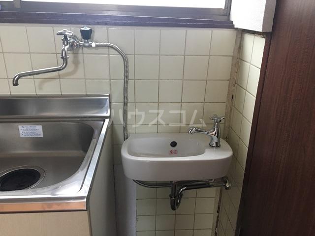 千成荘 1号室の洗面所