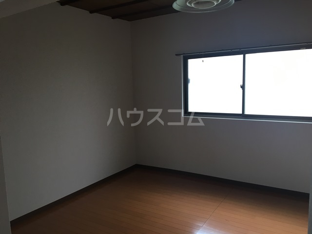 千成荘 1号室のリビング