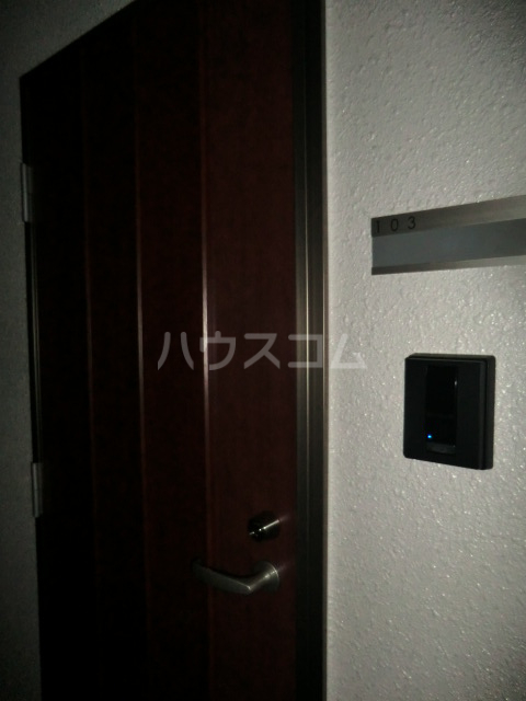 リブ亀有 103号室の玄関