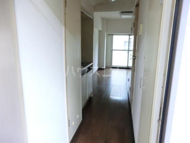 小松屋ビル 305号室の玄関
