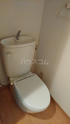 ラパニエールオート 6号室のトイレ