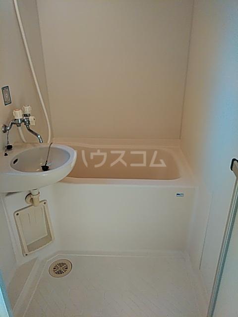 スクウェアガーデン 106号室の風呂
