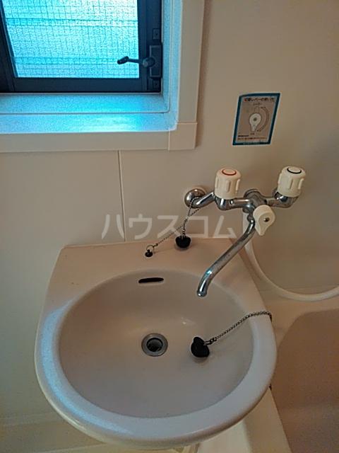 スクウェアガーデン 106号室の洗面所