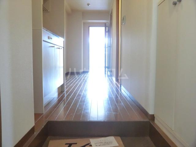 シャテロ北浦和 203号室の玄関