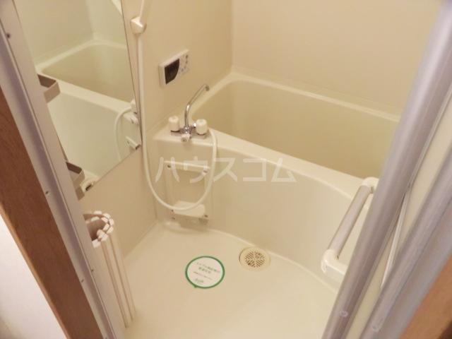 シャテロ北浦和 203号室の風呂