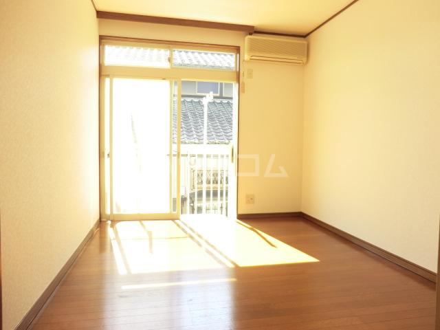サンビレッジ 104号室の居室