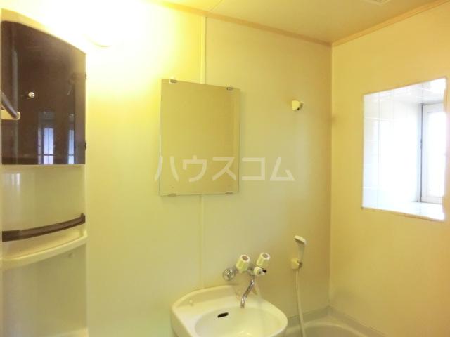 サンビレッジ 104号室の洗面所