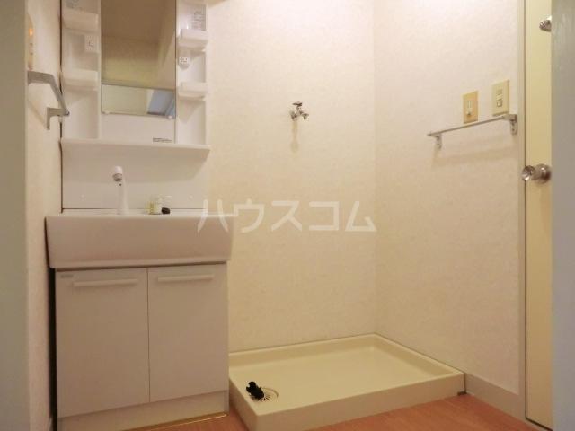 エスポワールⅢ 105号室の洗面所