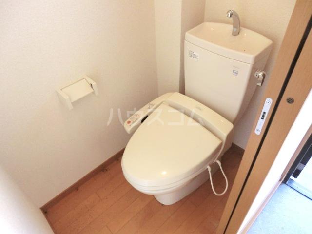イースタンハイツ 101号室のトイレ