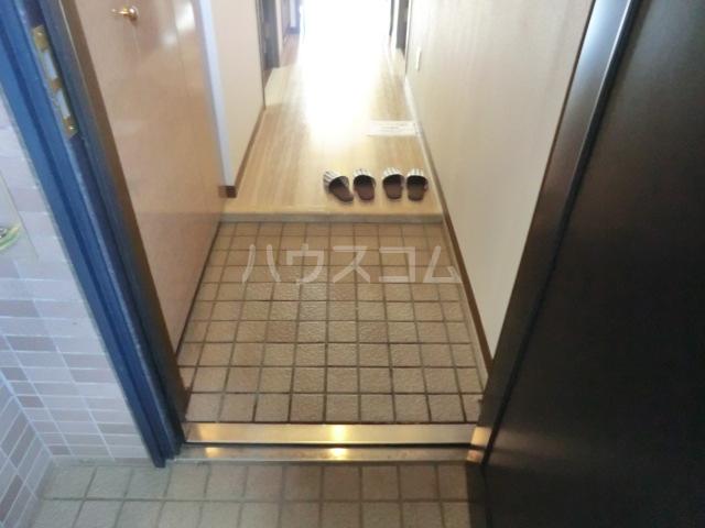 エルスタンザ北浦和 305号室の玄関