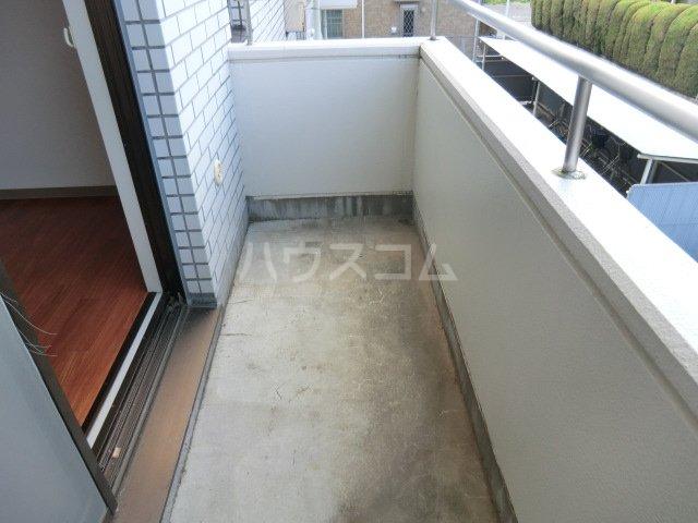 ハイツサントピア 207号室のバルコニー