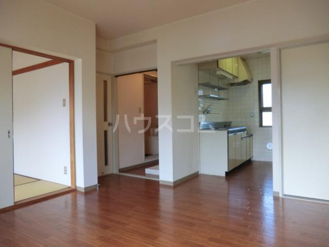 ハイツサントピア 207号室のキッチン