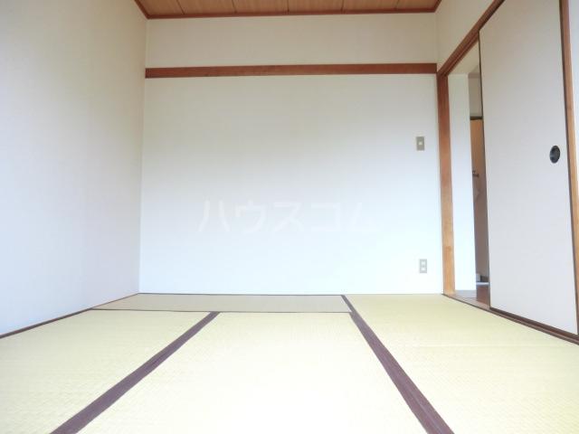 ハイツサントピア 207号室の居室
