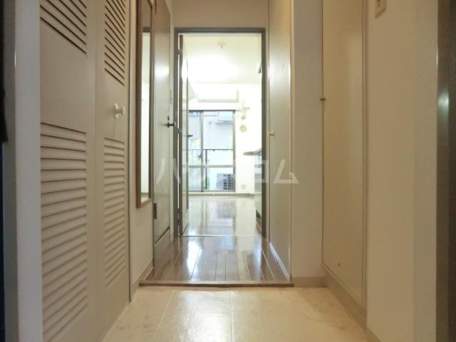 サンセール与野本町 218号室の玄関