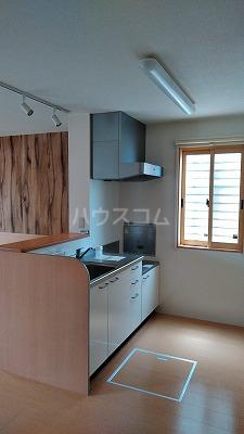 プリムローズⅢ 101号室のキッチン