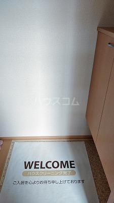 プリムローズⅢ 101号室の玄関