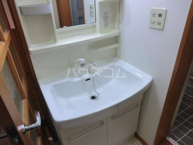 RJR与野 302号室の洗面所