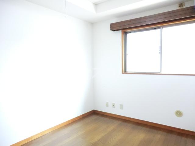 RJR与野 302号室の居室