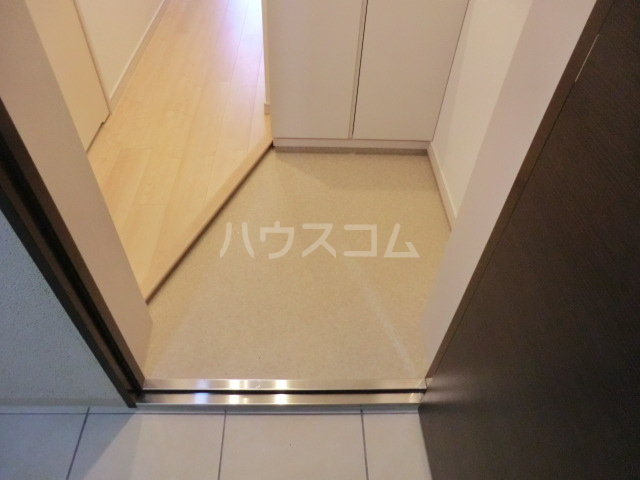 上落合SIマンション 103号室の玄関