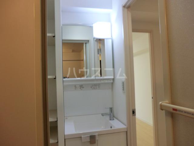 上落合SIマンション 103号室の洗面所
