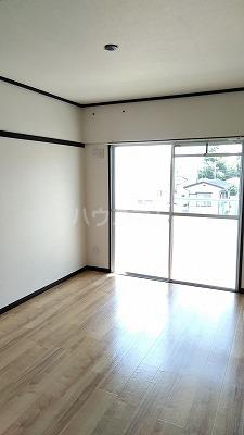 浦和昭和ビル 401号室のリビング