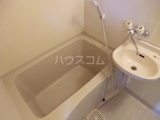 アーバンハイツ 102号室の風呂