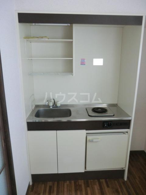 ヴィラ元町 102号室のキッチン