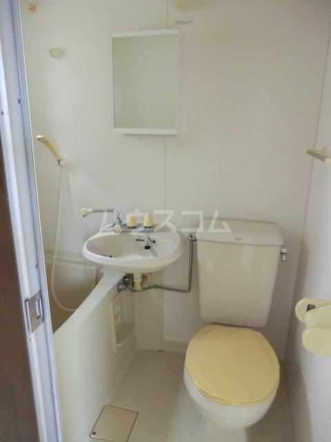 ヴィラ元町 102号室の風呂
