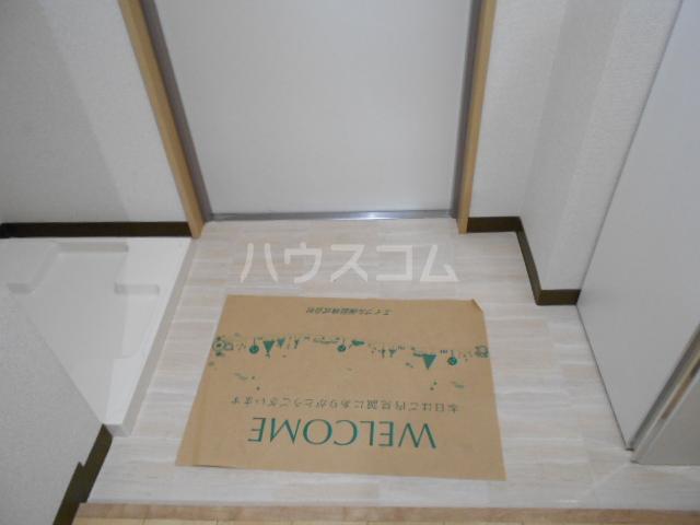 グランメール与野 201号室の玄関